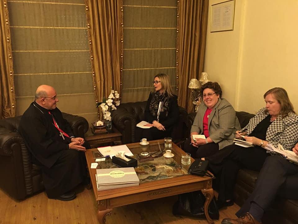 مسؤولون من السفارة الامريكية في زيارة الى مطرانية الكلدان