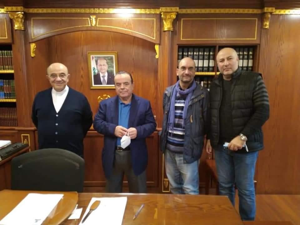 المطران قصارجي يلتقي رئيس بلدية الجديدة-السد